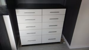 gloss white bedroom drawers